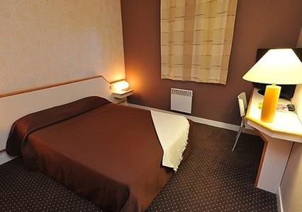 un nouveau comfort hotel tours. Black Bedroom Furniture Sets. Home Design Ideas