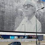 Capitale mondiale du livre en 2011, Buenos Aires célèbre ses grands écrivains. Tandis qu'Ernesto Sabato, décédé l'an dernier, s'affiche sur les murs de la ville, c'est Jose Luis Borges dont la mémoire va être évoquée dans le nouveau quartier de Puerto Madero avec l'ouverture d'une résidence luxueuse au nom d'Aleph, son recueil de nouvelles labyrinthiques et métaphysiques.