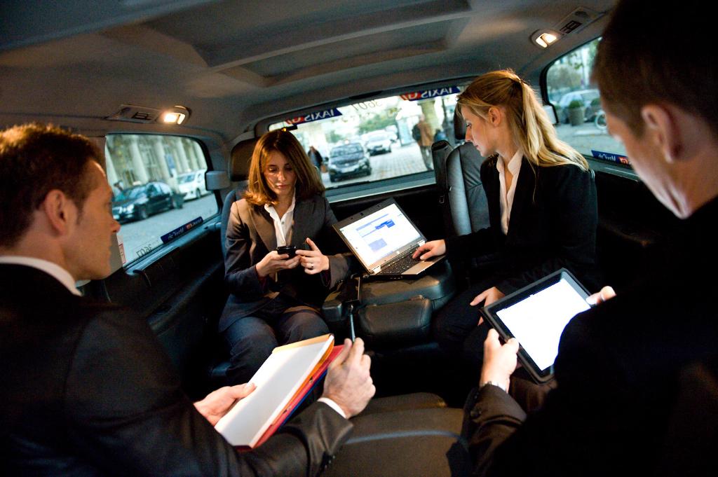 g7 en route vers le taxi collectif avec wecab. Black Bedroom Furniture Sets. Home Design Ideas
