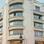 À Paris, Kadrance sort du cadre classique des centres d'affaires avec plusieurs espaces de réunions dans un appartement à l'esprit loft, où les clients peuvent recevoir leurs invités dans un cadre intime.