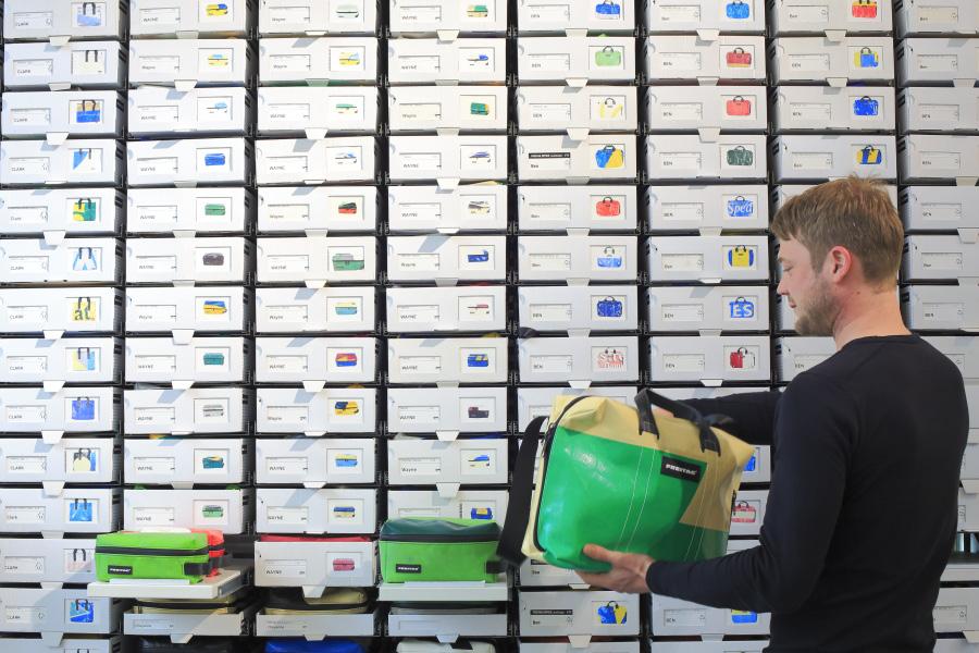 Avant New York et Tokyo, Freitag, marque suisse de sacs design en matériaux recyclés, a choisi Hambourg pour sa première implantation hors de Zürich.
