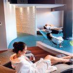 Aussi élégant sur le terrain que dans les affaires, Serge Blanco a ouvert à Hendaye un hôtel-thalasso haut de gamme (ici, une salle de relaxation).