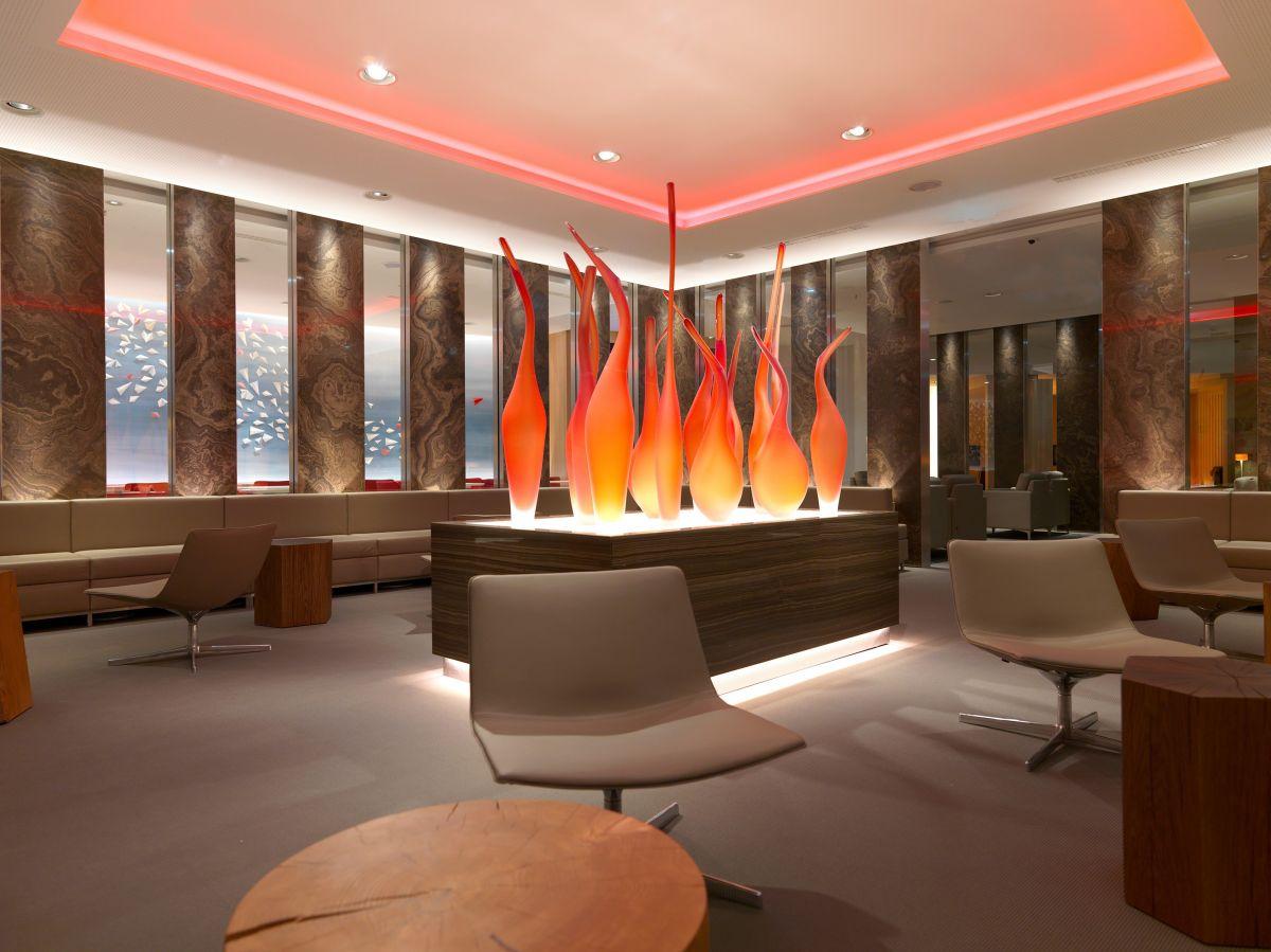 Air canada fait salon francfort nouveau lounge feuille for Salon du canada