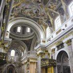 Des stucs, des dorures et du marbre rose : la cathédrale Saint Nicolas est un des nombreux trésors de la capitale slovène.