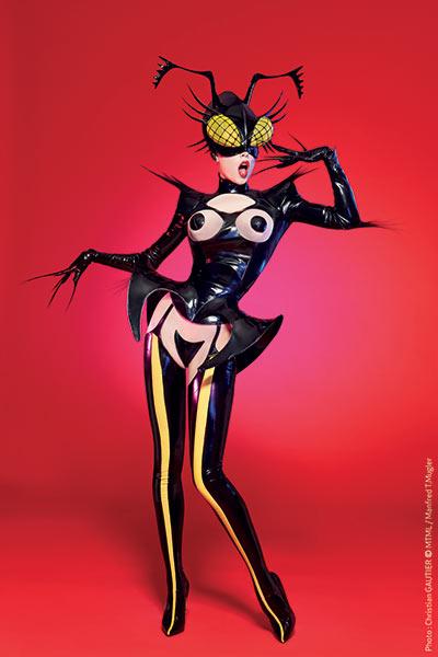 La scène culturelle parisienne offre de nombreuses possibilités de représentations VIP. Mugler Follies, spectacle cabaret signé par le célèbre designer, fait partie des  dernières créations décoiffantes.