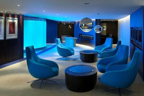 À Dubai, le business center du Media One accueille les voyageurs nomades dans une atmosphère rafraîchissante. L'établissement fait partie de Worldhotels, très présent dans les grandes métropoles d'affaires.