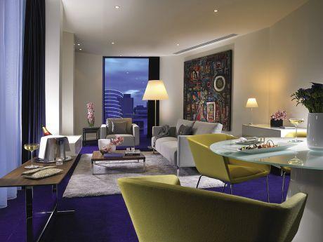 La collection des Leading Hotels n'est pas constituée que de maisons centenaires et leur débauche de boiseries et de lambris dorés. Ouvert en 2013 à Dublin, The Marker en témoigne avec son esthétique urbaine.