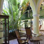 Les hôtels de charme ne manquent pas dans le centre historique de la capitale cubaine, souvent d'anciennes et nobles demeures soigneusement restaurées. Le Conde de Villanueva ajoute à tous les autres une thématique évidente à Cuba : le cigare.
