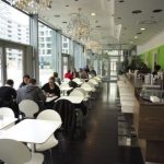 Un cadre contemporain et lumineux, et l'Asie à la carte au Vital Lounge.