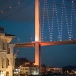 Nuits frénétiques sous les ponts du Bosphore.