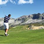 1 — Dans les stratégies de sponsoring des entreprises, le golf est très recherché pour son image de sport huppé. Les grands tournois sont aussi l'occasion d'opérations de relations publiques d'excellence.
