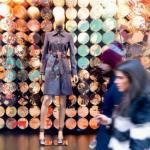 """3 et 4 — En arpentant les artères du """"quadrilatère d'or"""" ou sous les arcades historiques de la galerie Vittorio Emanuele, c'est tout ce savoir-être et paraître si joliment italien qui ressort d'une balade dans Milan."""