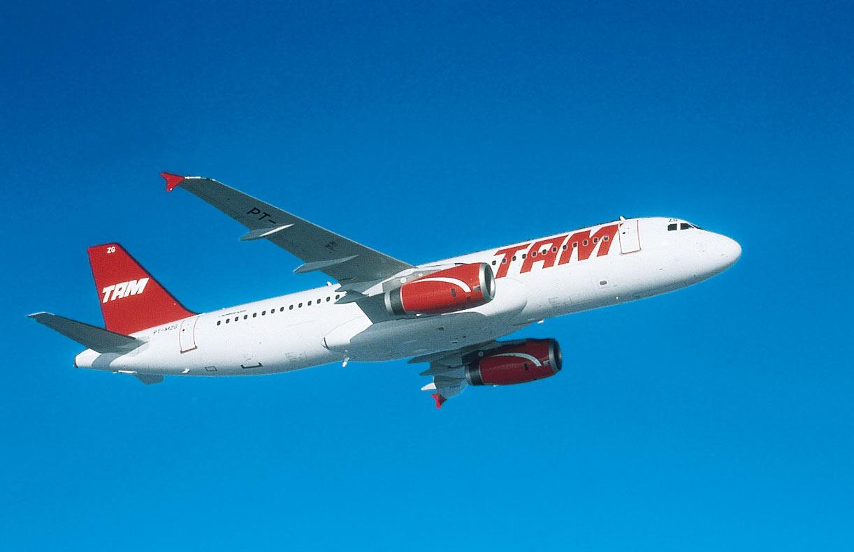 Un appareil de la TAM en vol (DR)