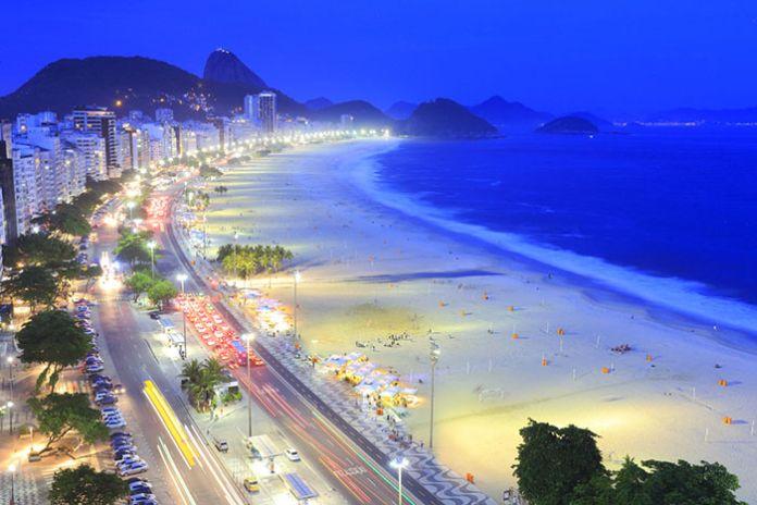DES IDÉES QUI CARBURENT - La carte postale carioca masque une réalité : des plages idylliques bien sûr, mais en dessous un soussol riche en hydrocarbures. La baie de Guanabara, paysage sublime classé à l'Unesco, est aussi un paradis pour les sociétés pétrochimiques. Mais l'esprit de la ville, très ouverte sur les autres, la conduit aujourd'hui à développer son sens créatif autour des médias, de l'audiovisuel et du design.