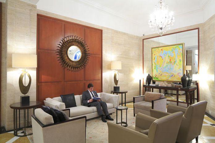 La récente rénovation du Copacabana Palace n'a rien enlevé au cachet Art Déco de cette légende de l'hôtellerie sud-américaine, résidence attitrée de toutes les célébrités de passage à Rio.