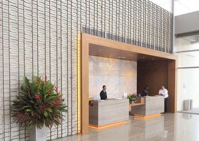 L'été prochain, la fièvre olympique va s'emparer de Rio, plus particulièrement de la zone de Barra da Tijuca. Ouvert l'an dernier, le Hilton est prêt pour accueillir les spectateurs, mais aussi les voyageurs d'affaires, nombreux dans ce quartier d'affaires en devenir.