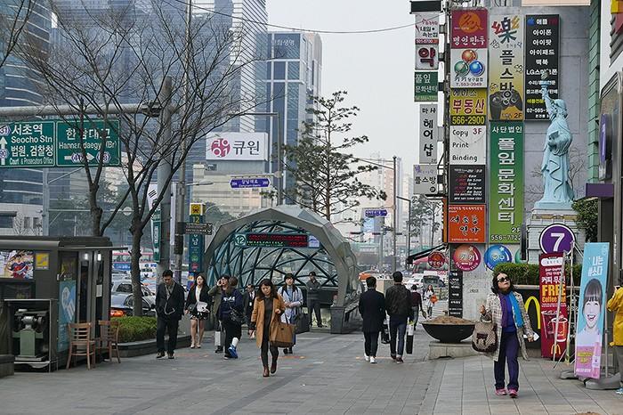 Très étendue, Séoul se parcourt en métro ou en taxi