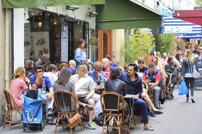 Paris Rue Martyrs Fuxia