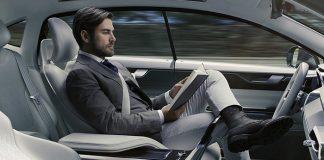 Et maintenant sans les mains ! Les véhicules autonomes abolissant la nécessité de tenir le volant, les conducteurs peuvent se détendre ou travailler pendant le trajet. Comme dans un train.