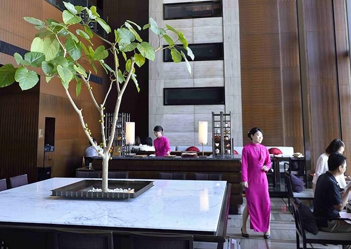 Chic épuré et quintessence de l'hospitalité asiatique au Mandarin Oriental Tokyo.