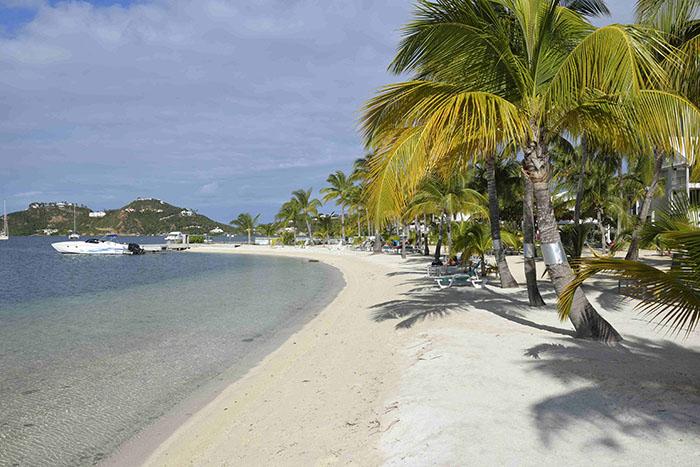 Île de départ ou d'arrivée des croisières, Saint Martin offre une multitude d'hôtels et restaurants haut de gamme.