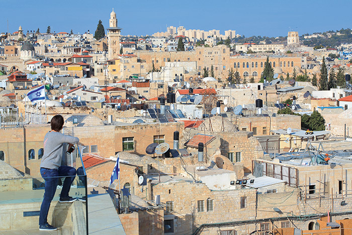 Entre ses pierres calcaires aux reflets blanc crème, la vieille ville de Jérusalem concentre une partie de l'âme du monde. Plus recueillie que Tel-Aviv, la ville n'en cultive pas moins un esprit très actuel, entre ses marchés très animés et ses riches musées. ©Ludovic MAISANT