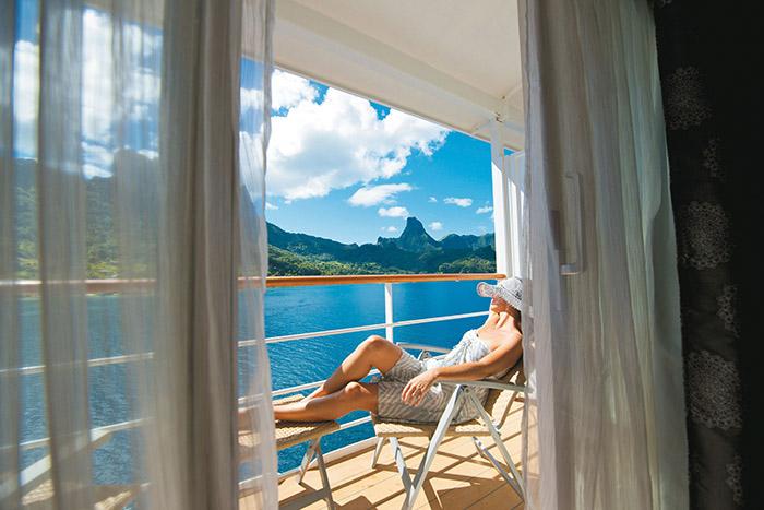 """Le MS Gauguin relie les îles paradisiaques du Pacifique, de Tahiti aux Marquises. Là où """"par manque de brise, le temps s'immobilise"""", chantait Jacques Brel."""