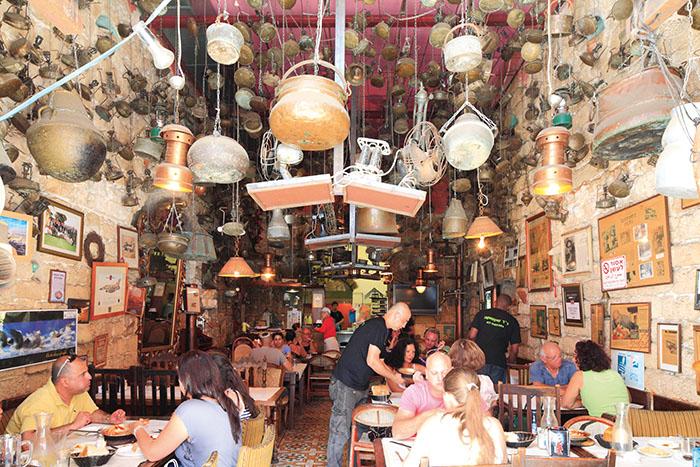 Dr Shakshuka, une atmosphère de bazar à l'Orientale au cœur du vieux Jaffa. ©Ludovic MAISANT