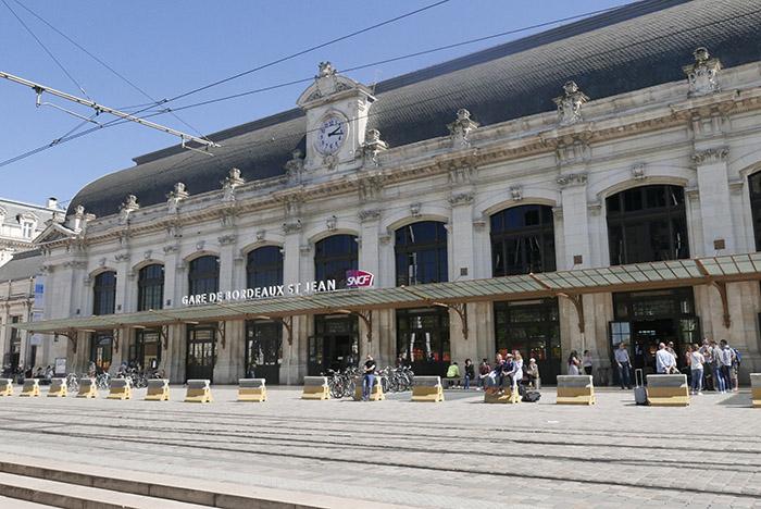 La gare Saint-Jean, rénovée pour l'arrivée de la LGV.