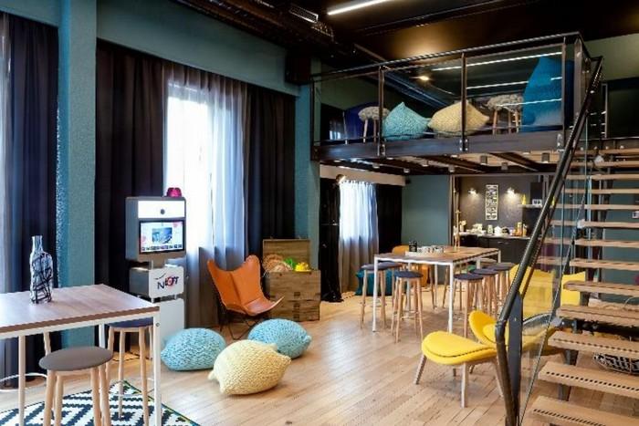 a lyon novotel inaugure un n loft pour r unions modernes. Black Bedroom Furniture Sets. Home Design Ideas
