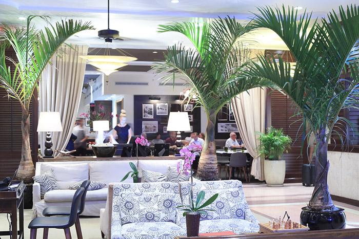 Fusion de deux anciennes gloires hôtelières de Miami Beach, le Betsy Hotel réinvente le passé de façon chic. © Ludovic Maisant