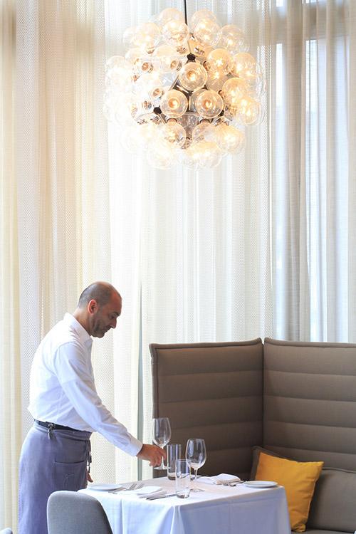 Dans le Design District, MC Kitchen propose une cuisine italianisante très contemporaine. © Ludovic Maisant