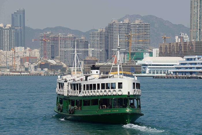 Les Star Ferries sont aussi emblématiques de Hong Kong que les bus à impériale le sont de Londres ou les taxis jaunes de New York.