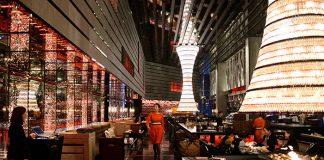 Le Ritz-Carlton, le plus haut hôtel du monde.
