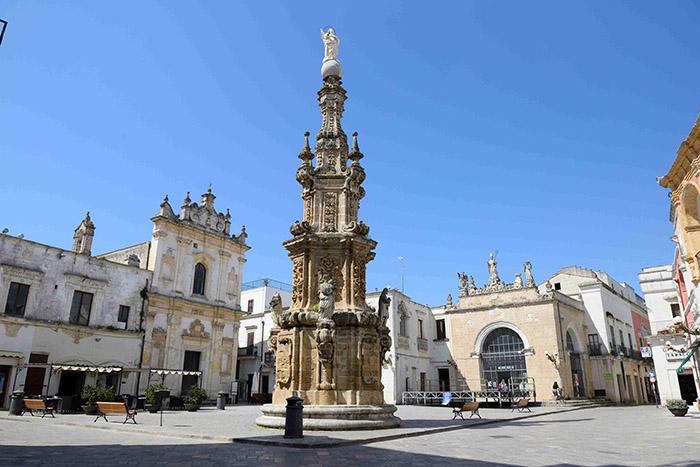 Un trésor d'unité que la piazza Salandra de Nardo.