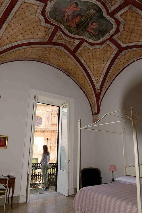 Au fil de son histoire palazzo puis couvent, le Monastero Santa Teresa fait aujourd'hui dans l'hospitalité exclusive.