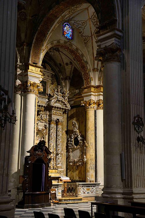 Des dorures et des trompe-l'œil : la cathédrale de Lecce met en scène l'exubérance baroque.