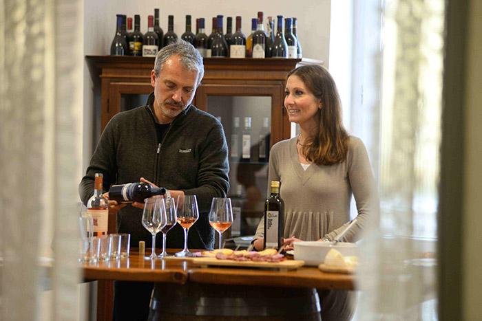 À Squizano, un cours de cuisine assorti d'une dégustation d'un des plus beaux vins d'Italie, le Nerio Schola Sarmenti.