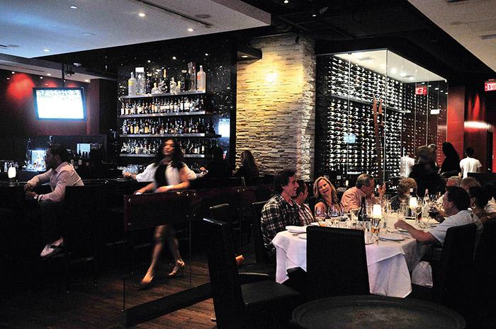 Red, The Steakhouse, couru autant pour sa viande exceptionnelle que pour sa carte des vins sans fin. © Alain Parinet