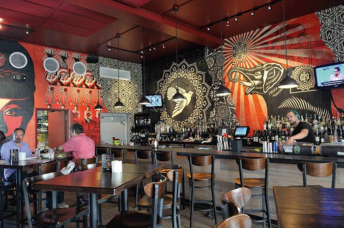 """Le Wynwood Kitchen & Bar, le """"WKB"""", une brasserie inventive dédiée au street art."""