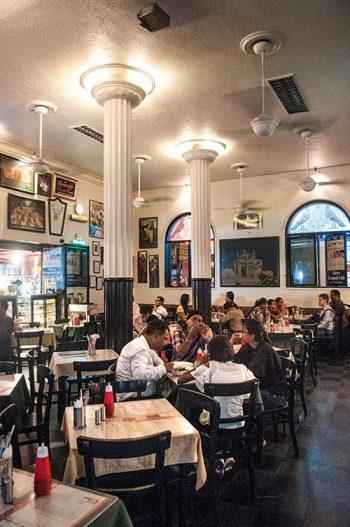 inde-bombay-cafe Leopold