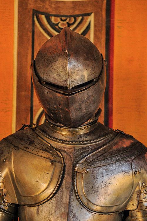 À La Valette, sur l'île de Malte, le palais du Grand Maître possède une des plus belles collections d'armes et armures au monde.