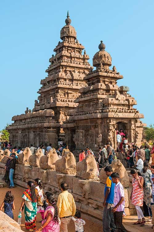 Bâti sur la plage de Mahabalipuram, le temple du rivage est l'un des plus anciens d'Inde du Sud.