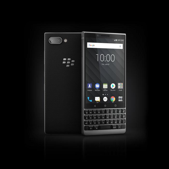 BlackBerry KEY2_Silver_FrontAngle (14)