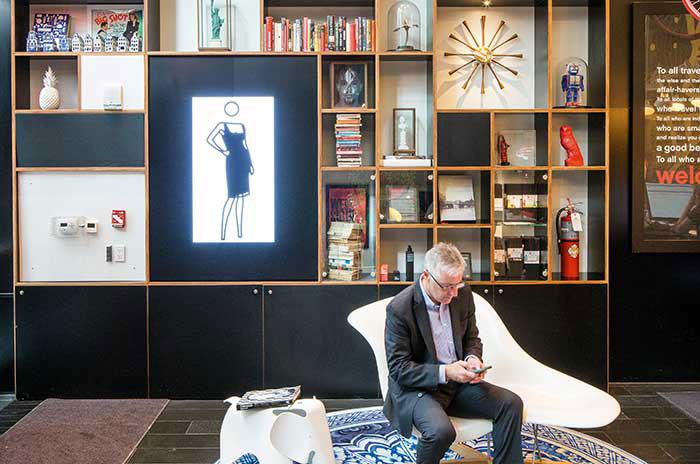 La marque Citizen M décline à New York, près de Times Square, son sens du design coloré et joyeux.
