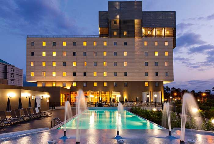 Si l'hôtellerie africaine de chaîne reste majoritairement haut de gamme, les marques économiques ont de belles perspectives de développement (ici l'Ibis Malabo, en Guinée Equatoriale).© Jacques Yves Gucia