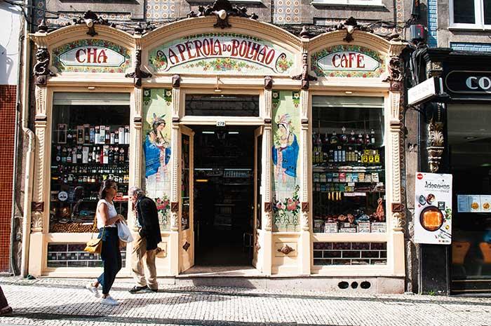 À proximité du marché Bolhao, l'épicerie A Perola, fondée en 1917.