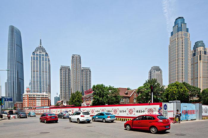 En parallèle du quartier de Heping en centre-ville, Tianjin a développé un nouveau pôle business dans la zone portuaire de Binhai.