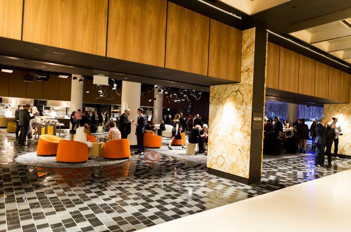 La vaste rénovation de l'hôtel Fairmont Reine Elizabeth a doté l'hôtel d'installations modernes, notamment avec le nouvel espace C2 visant à stimuler la créativité des événements d'entreprise