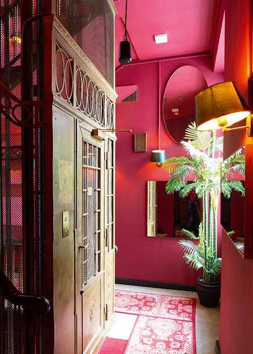 Le pouvoir de séduction de l'hôtel Provocateur repose sur un subtil mélange de glamour années 20, d'élégance parisienne et de rouge sexy.
